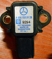 Датчик давления воздуха во впускном газопроводе Mercedes Vito W639 (109,111) (Viano) 2003-2010гг
