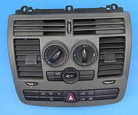 Панель в торпеду, крышка, рамка, дефлектор воздуха A6396800007 Mercedes-Benz Vito (Viano) Мерседес Вито Виано