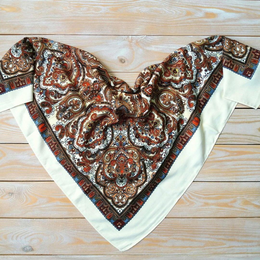 Женский платок с орнаментом (80х80см, шампань, 80%-шерсть)