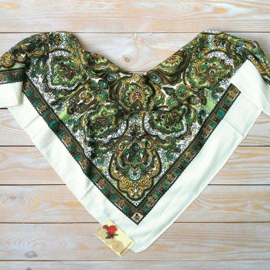 Оригинальный платок с орнаментом (80х80см, шампань, 80%-шерсть)
