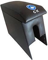 Подлокотники для авто Geely CK с вышивкой черный