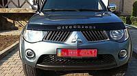 Дефлектор капота, мухобойка Mitsubishi L200 2007- VIP tuning