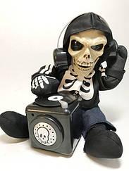 Оригинальная Кукла DJ Скелет Диджей Повторюшка на Батарейках Прикол для Вечеринки