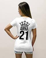 Женская футболка с фамилией или именем и цифрой.