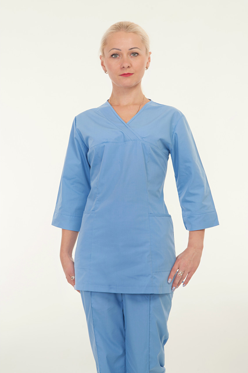 Медицинский женский костюм голубого цвета