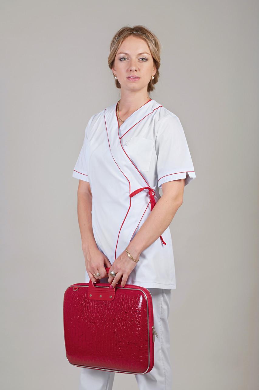 Медицинский женский костюм белый
