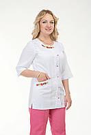 Медицинский женский костюм комбинированый с вышивкой