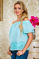 Блузка из батиста, с открытыми плечами,с вышивкой, голубая, размеры 42-48