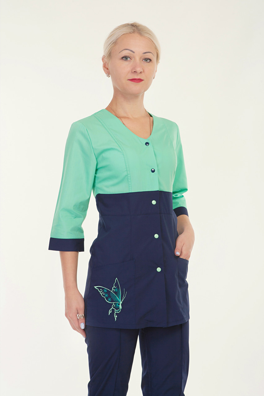 Медицинский женский костюм комбинированый с бабочкой сбоку