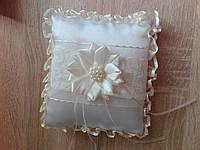 Свадебная подушечка под кольца с цветком, цвет молочный