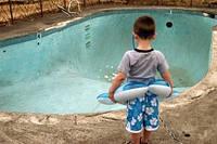Течет бассейн? Поиск и ремонт утечки воды