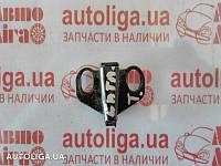 Скоба замка крышки багажника AUDI A8 D2 94-02 4D0827507B