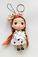 Кукла - брелок на сумку белая в горошок