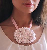 """Овальное свадебное колье с цветами """"Фрезии"""""""