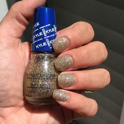 Лак для ногтей Sinful Colors Professional x Kylie Jenner Karats Of Kargo