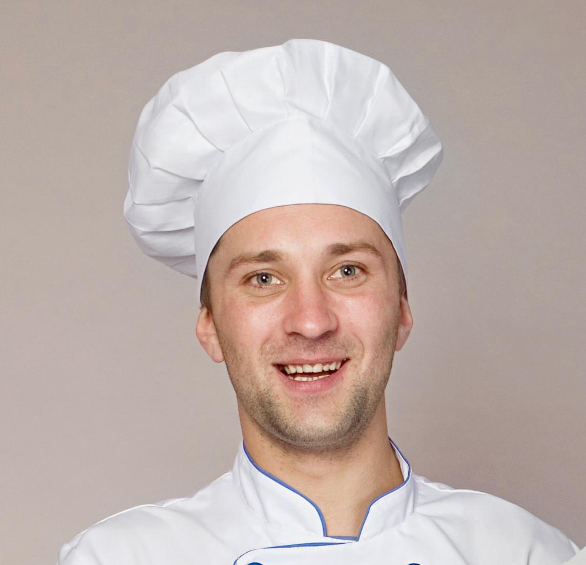 Мужская шапка повара белого цвета