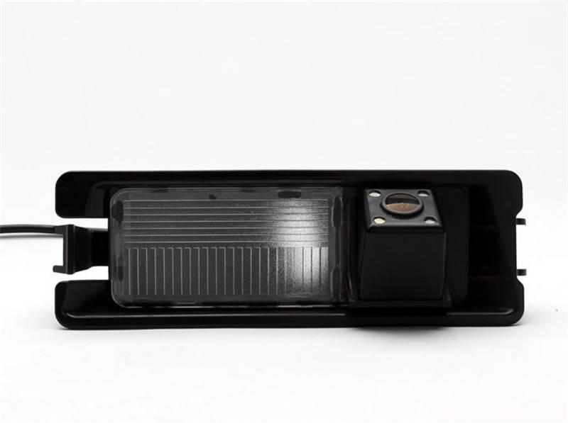 Камера заднего вида Nissan March