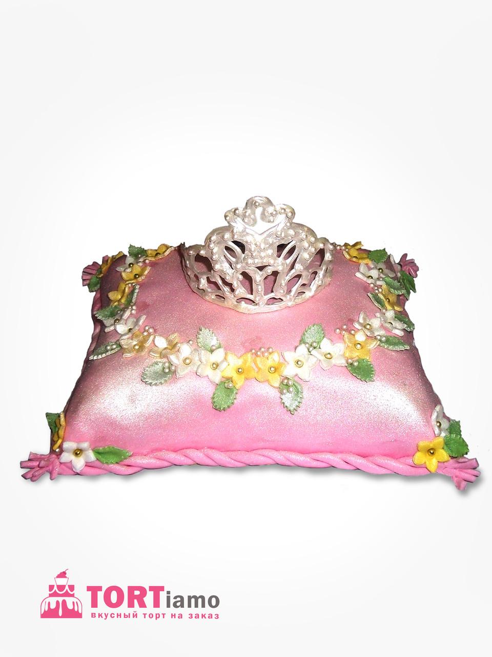"""Детский торт на заказ """"Подушка принцессы"""" с подарком"""