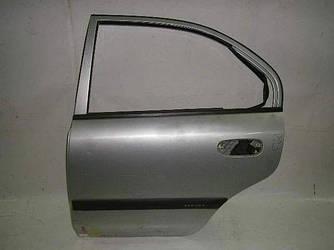 Дверь задняя левая хетчбэк Mitsubishi Carisma 98-04 (Мицубиси Карисма)