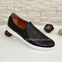 Мужские кожаные туфли-мокасины на плоской подошве.