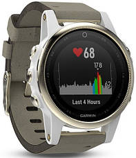 Смарт-годинник Garmin fenix 5S Goldtone Sapphire with Gray Suede Band, фото 2