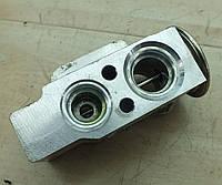 Клапан кондиционера VW Golf V 2003-2008