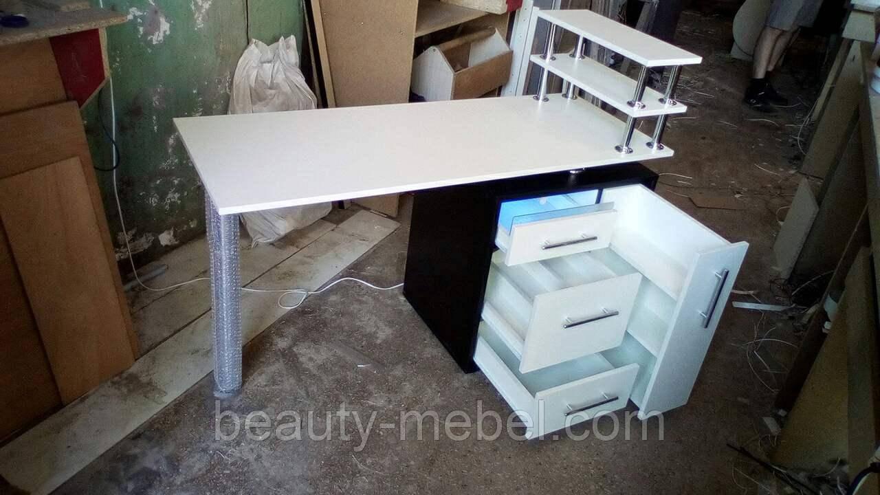 Манікюрний стіл з ящиком карго та бактерицидної УФ лампою