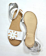 Белые кожаные сандалии с цветком, фото 1