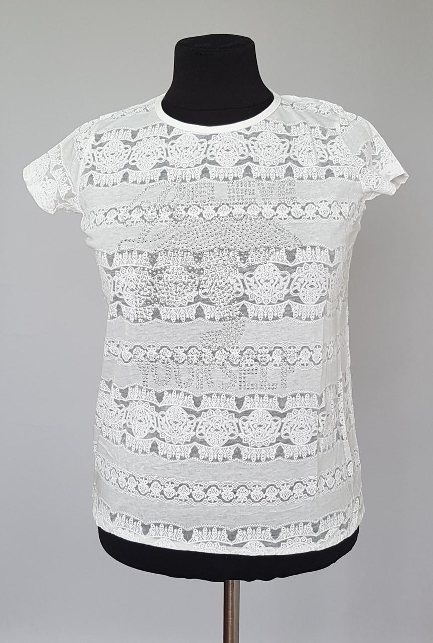 Легкая женская футболка