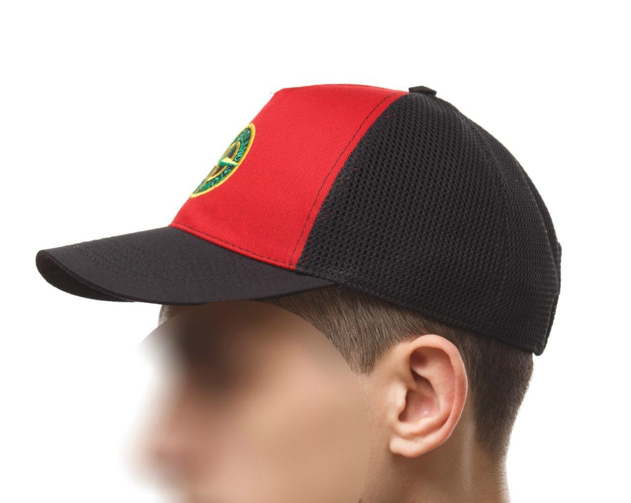 кепка с китайским знаком