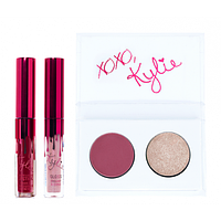Набор KYLIE Kiss Me Mini Kit 2 помады 2 тени для век