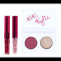 Набор KYLIE Kiss Me Mini Kit 2 помады 2 тени для век