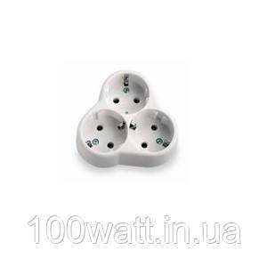 Трійник білий з з/к 16А 250v ST136