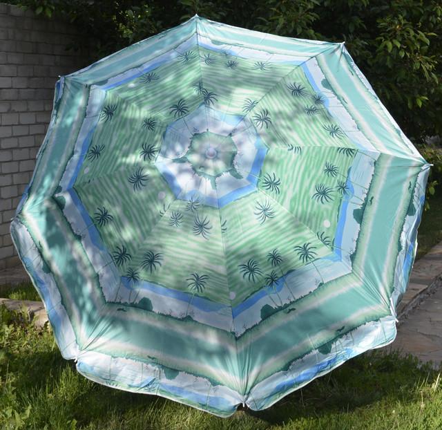 пляжный зонт с серебристым напылением и наклоном