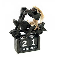 Календарь настольный Папуас на Харлее дерево 20х17х8 см