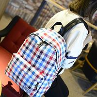 Объемный рюкзак в клетку