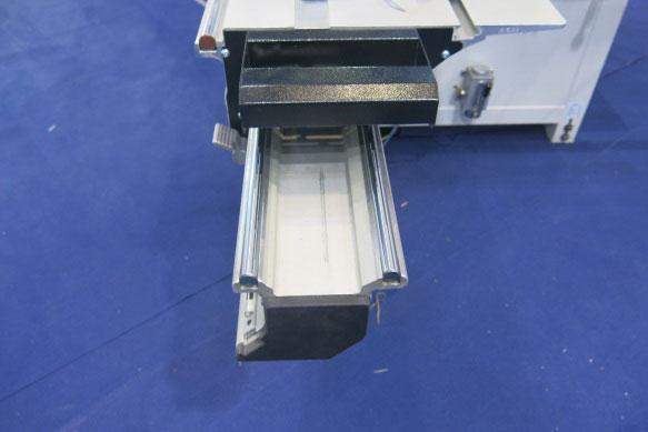 WDX-132sliding table.jpg
