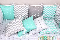 Бортики подушечки в кроватку и простынка
