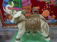 Белый  слон  с ковром Статуэтка Под слоновую кость