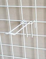 Крючёк на сетку (6.5 см. двойной. металлопластик. прут - 3 мм)