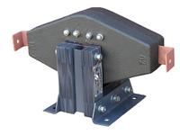 ТПЛ-10  У3 30/5 кл.т. 0,5 проходной трансформатор тока с литой изоляцией на напряжение до 10 кВ.