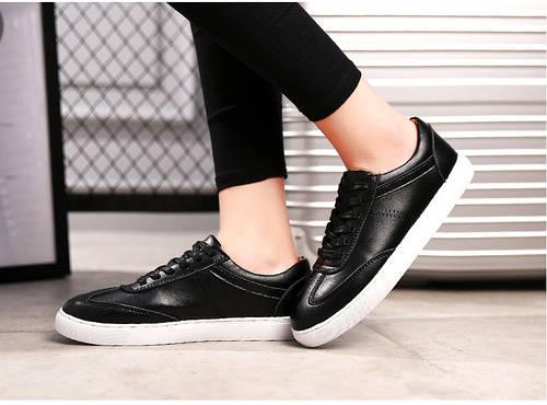 bac8949c7e6a Кожаные спортивные туфли на шнуровке черные и белые