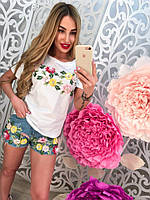 Женский летний  костюм с нашивкой цветы