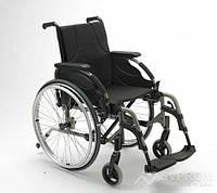 Облегченная инвалидная коляска Invacare Action 4 Base NG, ширина 40,5 см, темно-красный