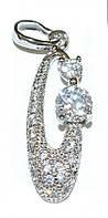 Кулон фирмы Xuping. Цвет: серебряный. Камни:белый циркон. Высота кулона: 3 см. Ширина: 8 мм