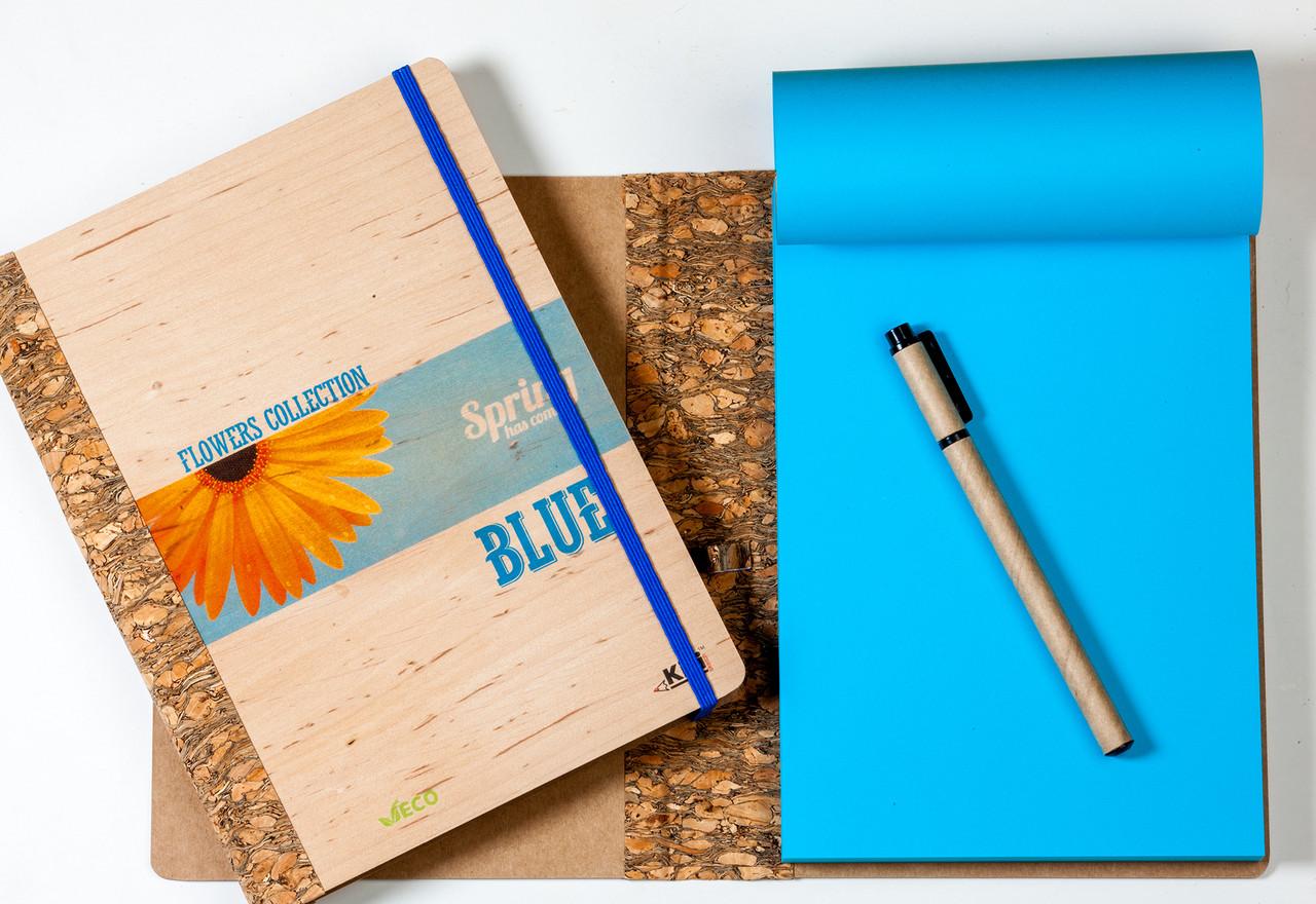 """ЭкоБлокнот ДЕРЕВЯННЫЙ с синими листами серии """"Flowers"""" + ручка"""