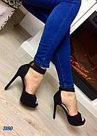 Женские босоножки на высоком каблуку 13 см, материал искусственная замша, с ремешком. Цвет черный