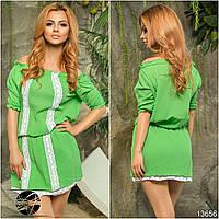 Зеленое летнее платье с кружевом. Модель 13656.