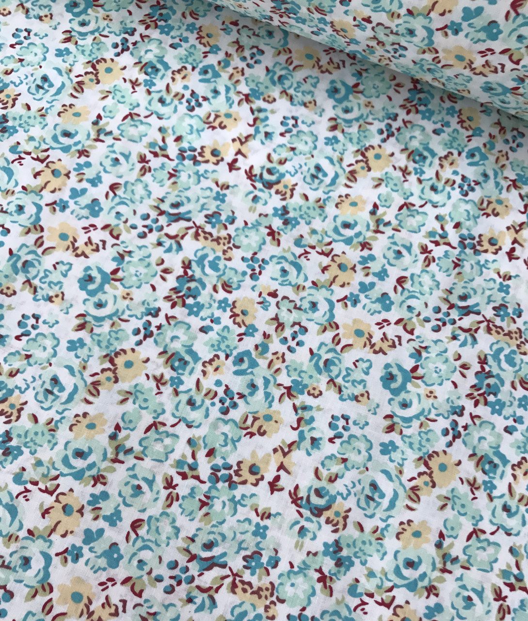 Хлопковая ткань польская цветы бирюзовые