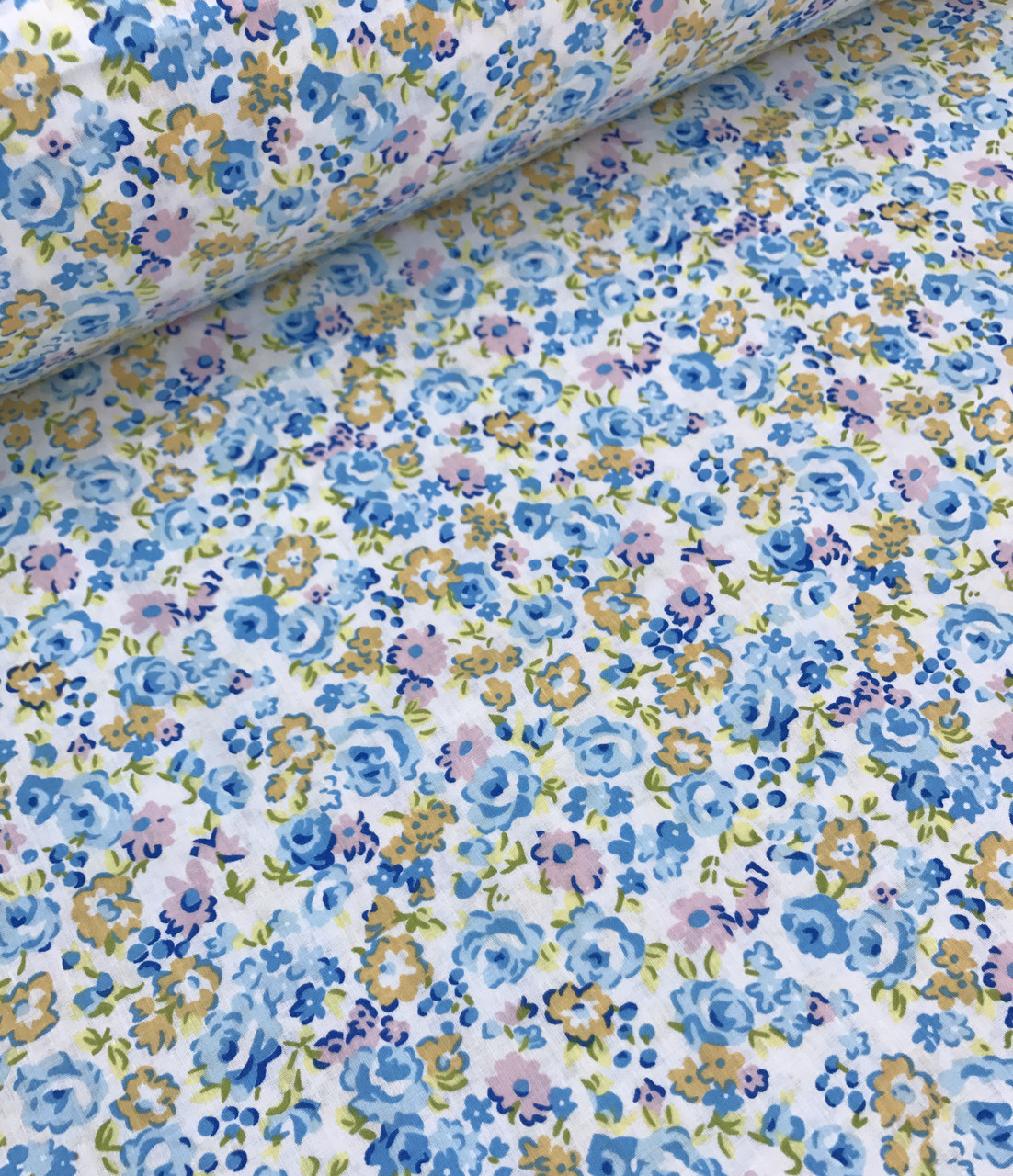 Хлопковая ткань польская цветы голубые